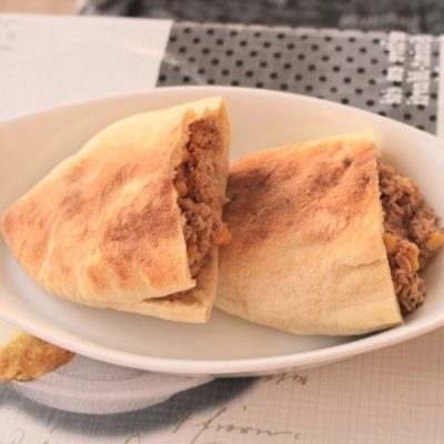 Tuna and sweetcorn pitta pockets
