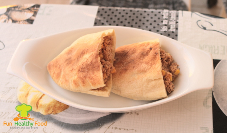 Quick and Easy Tuna and Sweetcorn Pitta Pockets